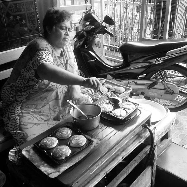 mencetak kue kamir (2)