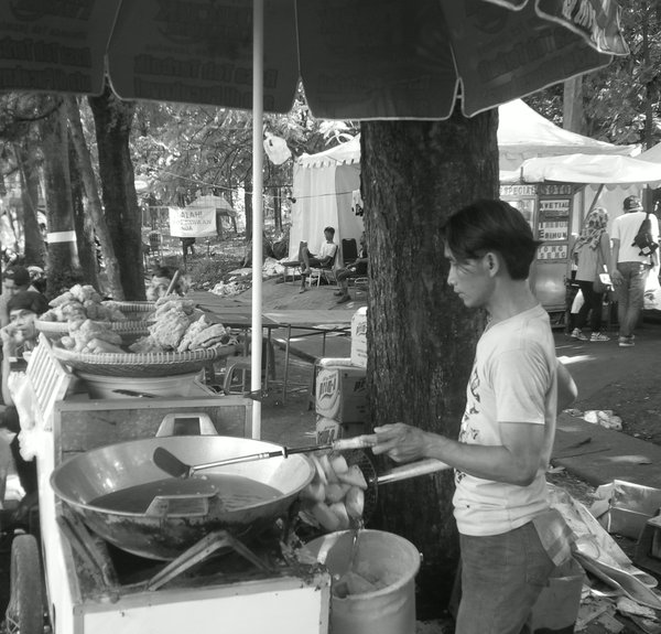 penjual gorengan senayan wildan